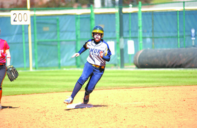 Softball Opens Season in Dominating Fashion