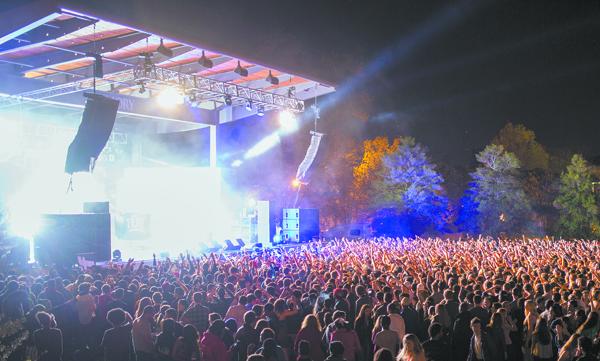 Kendrick lamar concert crowd