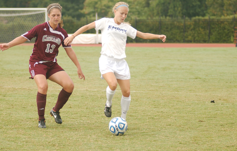 Women's Soccer Splits Pair of Weekend Games