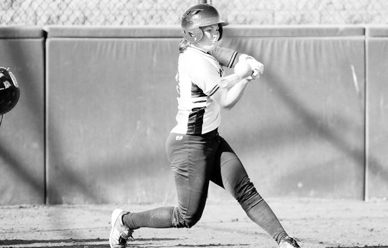 Softball Stays Undefeated After Eight Games