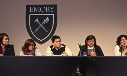 Panel Discusses Undocumented Youth
