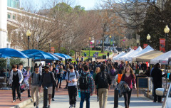 Tuesday kicked off the semester's Farmers Market on Cox Hall Bridge. Photo by Kike Afolabi-Brown / Contributor