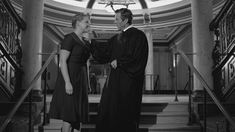 """Amy Schumer and Dennis Quaid in """"12 Angry Men Inside Amy Schumer"""" / Photo Courtesy of Comedy Central"""
