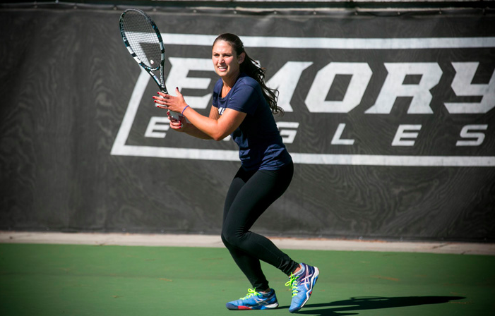 Women's Tennis Goes Undefeated on Weekend