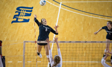 Volleyball Falls to Top-Ranked Teams, Comes out of Tournament 1-2
