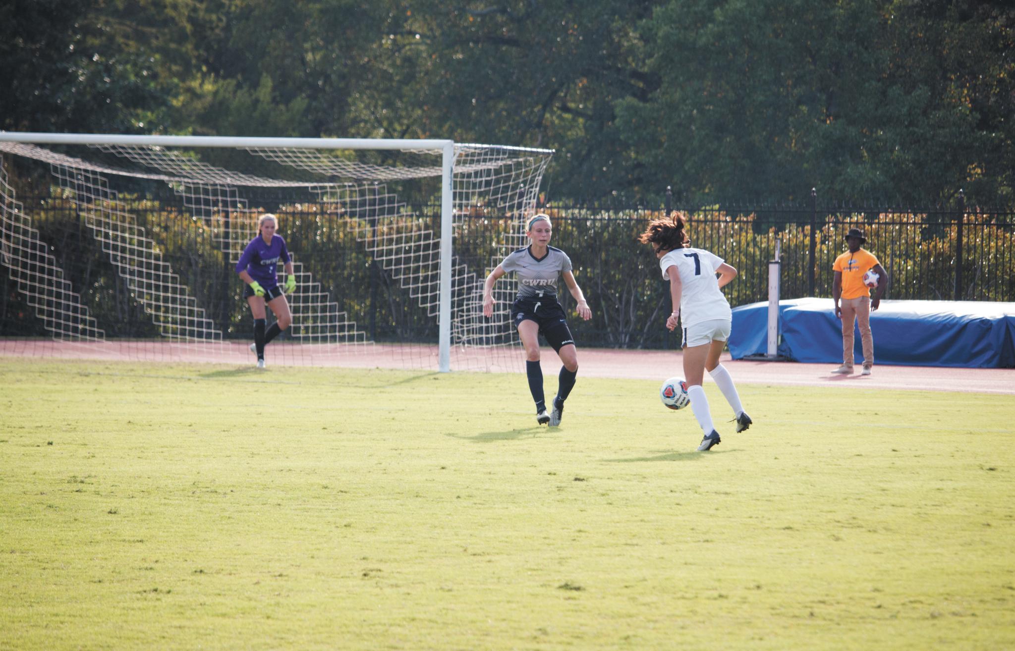Women's Soccer Splits Weekend Series at Home