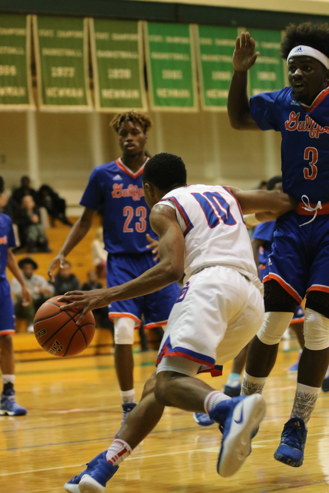Freshman Romin Williams' Love for Basketball Shines on the ...