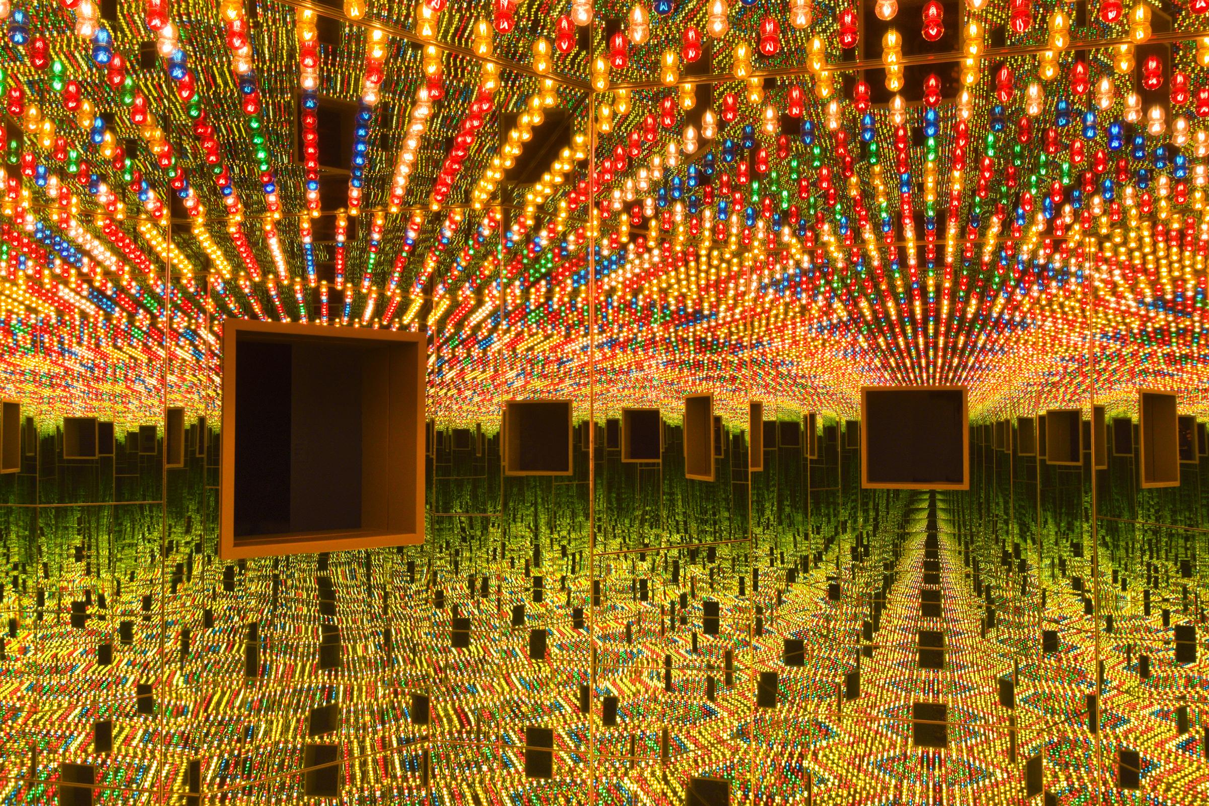 Kusama's 'Infinity Mirrors' a Vibrant Respite From Reality