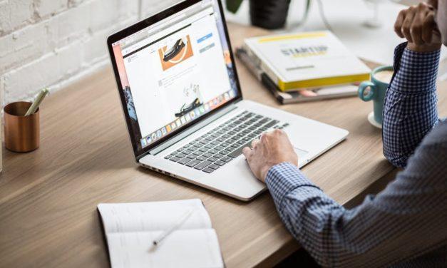 A Little Side Hustlin': How to Get into Building Websites for Money