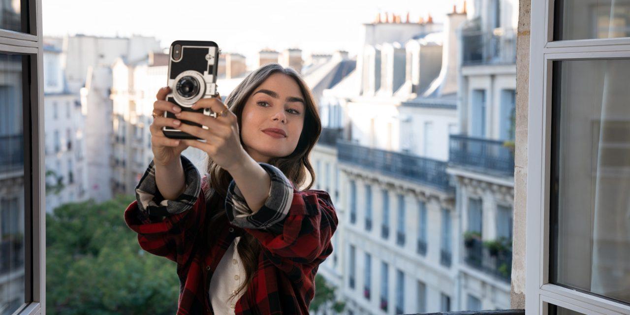 'Emily in Paris' Scores an 'F' Out of 'Fantastique'
