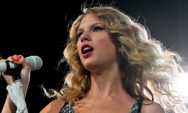 Taylor Swift's New Rerecording Encourages Fans To Be More Fearless