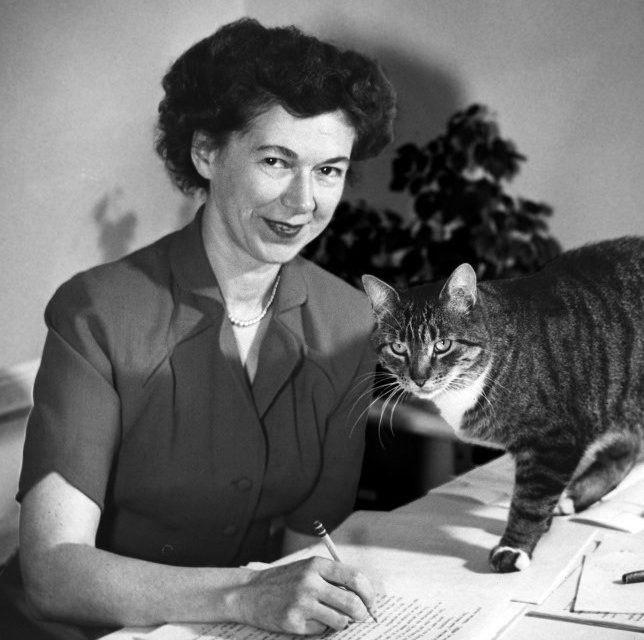 Beverly Cleary Dies at 104, Leaves Vibrant Literary Legacy