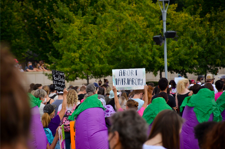 Emory students attend Atlanta protest against Texas' restrictive abortion law
